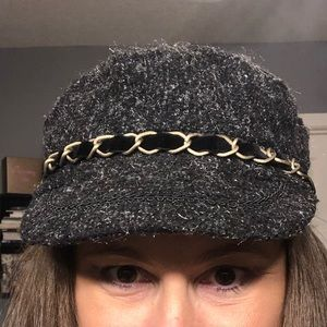 Accessories - Wool cap with beret style back
